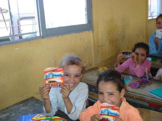 Enfants contents de leurs recettes